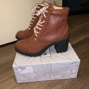 Chase & Chloe Combat Boot